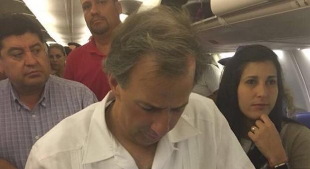 Meade en el avión